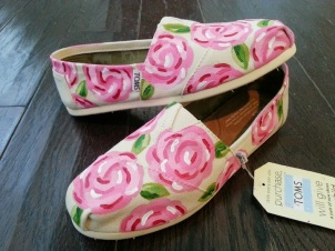 Lilly Pulitzer Roses TOMS