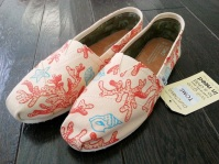 Coral and Seashells TOMS