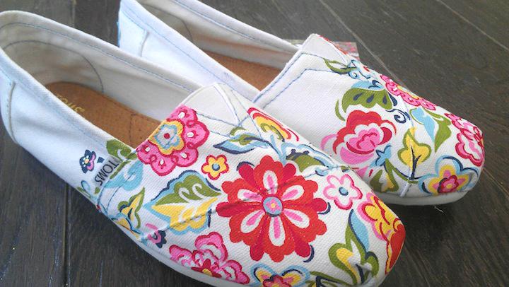 Vera Bradley Floral TOMS