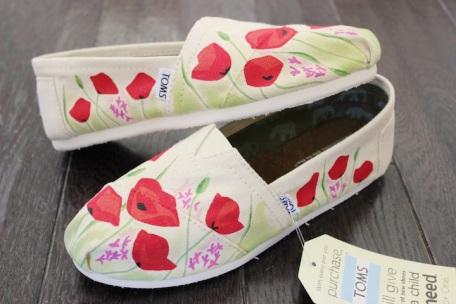 Poppy TOMS