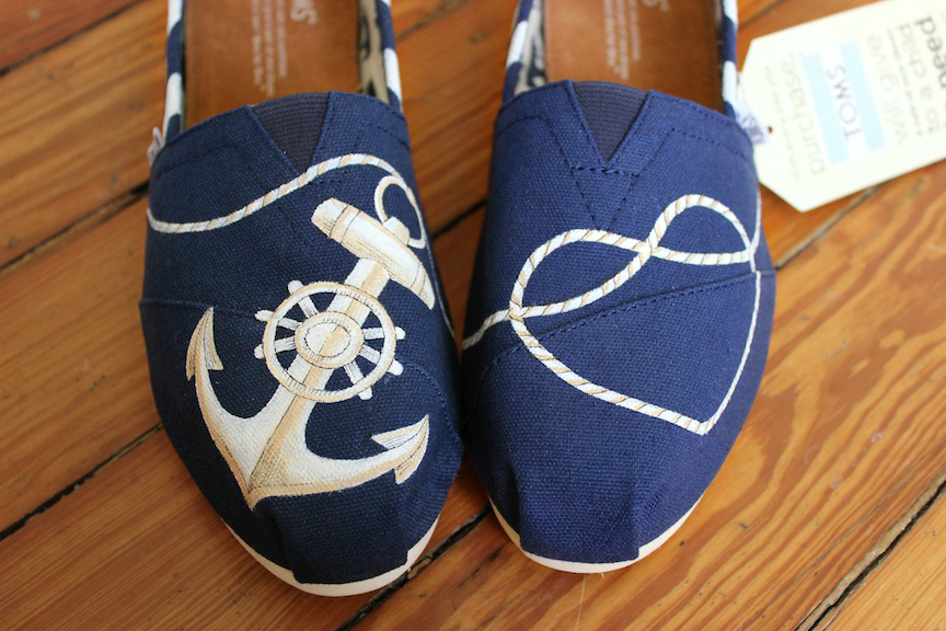 Custom pair of US Navy TOMS with anchor and heart shaped knot by artist Lauren Rundquist at LaQuist.
